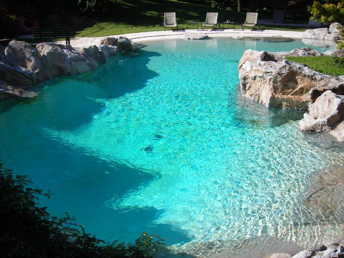 An italian pool has become more efficient italian pool for Chlorine piscine