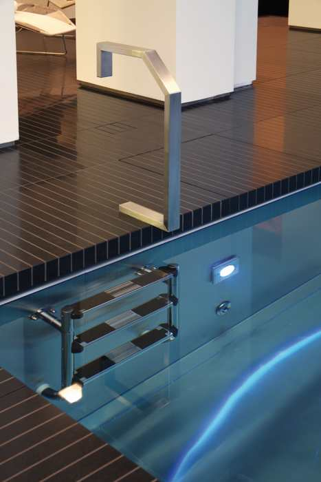 steinless steel pool