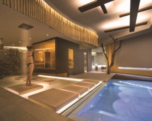 The spa design italian pool technology for Italian pool design 7