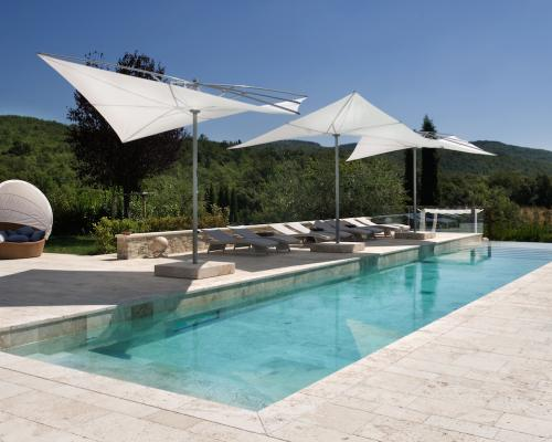 Tendencies of pools made in italy italian pool technology for Italian pool design 7
