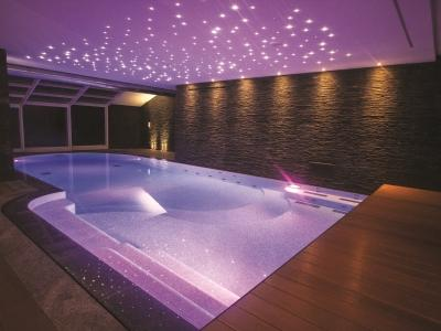 pool with scenografic light