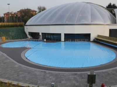 Isoroll Deluxe pool cover